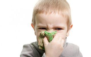 Можно ли гулять с ребенком при насморке. 5 случаев когда делать этого не нужно!