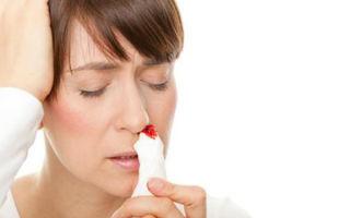 При насморке сопли с кровью, почему идёт кровь из носа, опасно ли это?